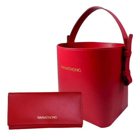 กระเป๋าสะพาย กระเป๋าสตางค์  นะหน้าทอง  หนังแท้ สีแดง